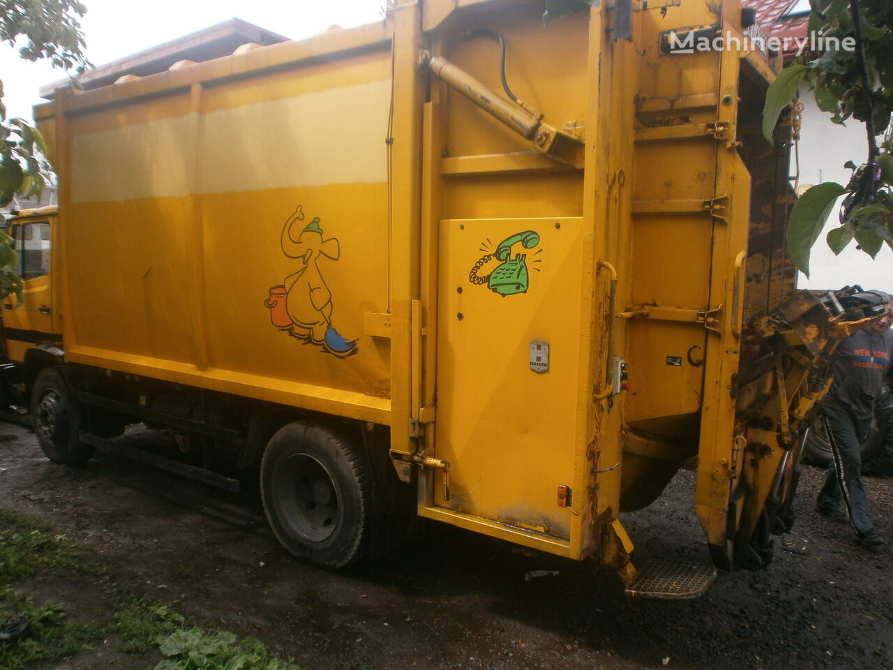 Mercedes benz garbage truck for parts trash truck refuse for Mercedes benz truck parts
